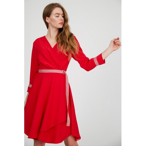Red Three-quarter Sleeve Midi Dress